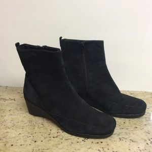 Shoes - Black Ankle Boots - 8W